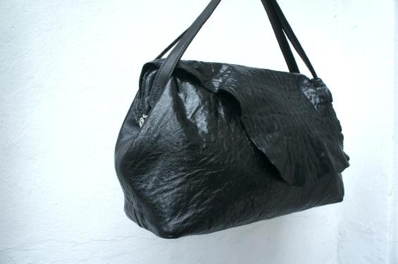 klama unikatowe torebki torby na zamówienie ręcznie szyte hand stitched frame bag side