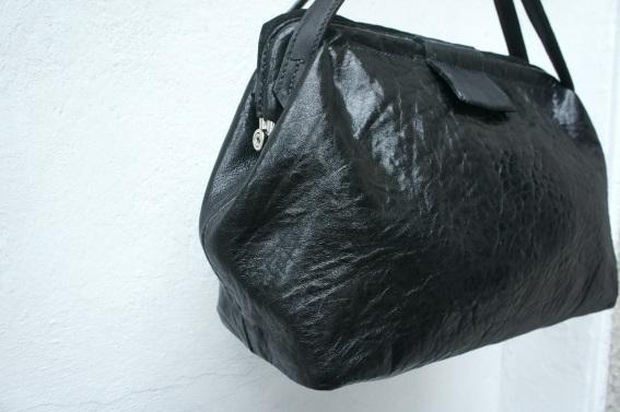 klama unikatowe torebki torby na zamówienie ręcznie szyte hand stitched frame bag side 2