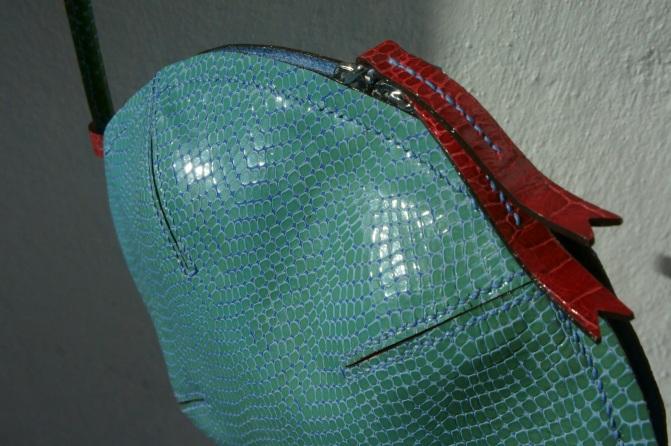 klama unikatowe torebki torby na zamówienie ręcznie szyte hand stitched lizard front close up side